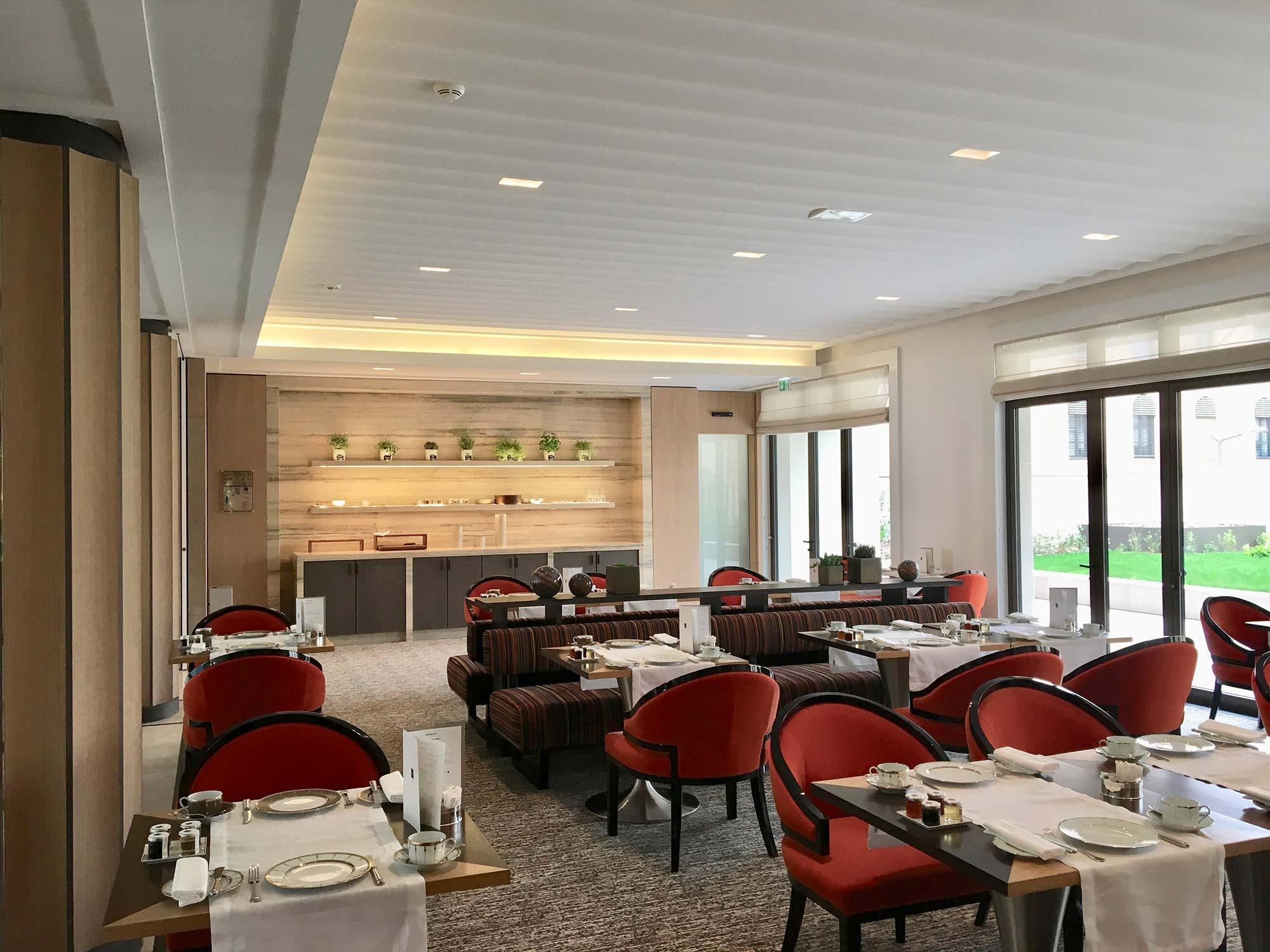 Réalisations savoir-faire staff plafond hotel de luxe Villa Maia
