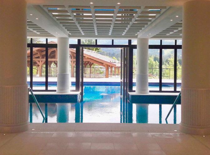 Réalisations savoir-faire staff plafond contemporain hotel de luxe