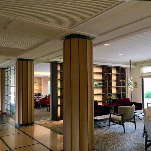texture en staff colonnes bois