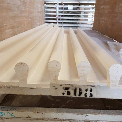 Fabrication ondulation pour c=le couloir du spa de l'Hôtel Four seasons, par la Maison Rouveure Marquez