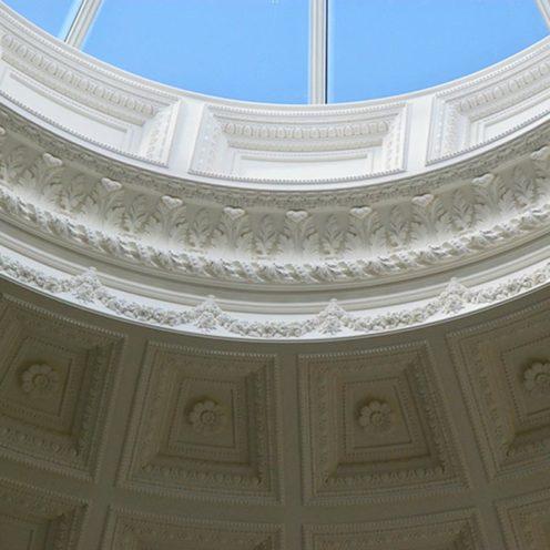 Dôme d'une résidence en Irlande réalisé en staff par la Maison Rouveure Marquez