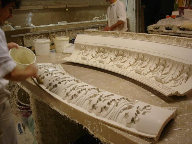 Moule en silicone pour corniche par exemple par la Maison Rouveure Marquez