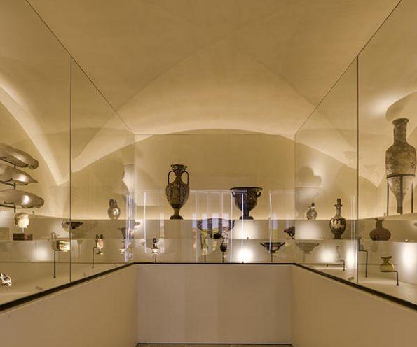 Plafond en voûte fabriqué par Rouveure Marquez pour le Musée du Caveau