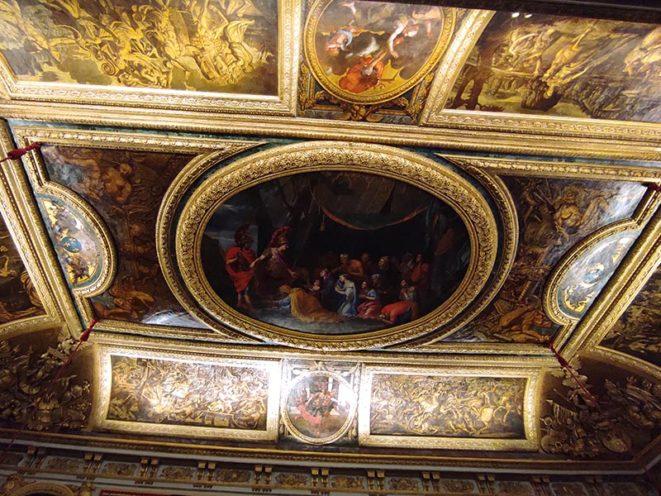 Plafond de l'Antichambre du Grand Couvert du Château de Versailles, éléments en stuc dorée