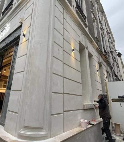 Pose de la nouvelle façade sur la chantier Iafrati par Rouveure Marquez